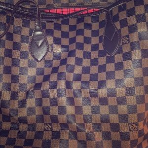 LOUIS VUITTON AUTHENTIC PURSE